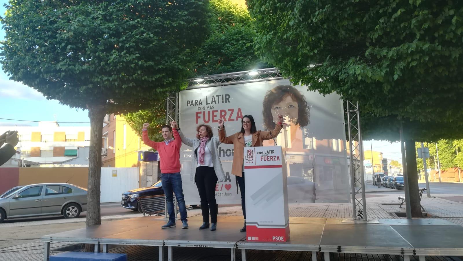 """Rosa Melchor: """"Lo mejor para Alcázar es que podamos hacer un pacto mayoritario con los vecinos con un gobierno fuerte"""""""